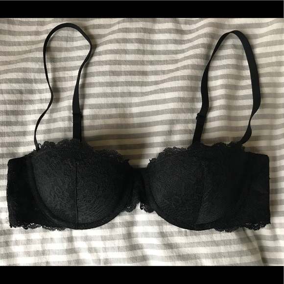 f682ea2b3d4 GAP Body Favorite Strapless Uplift Bra. M 5a9f31f35521be675a331658